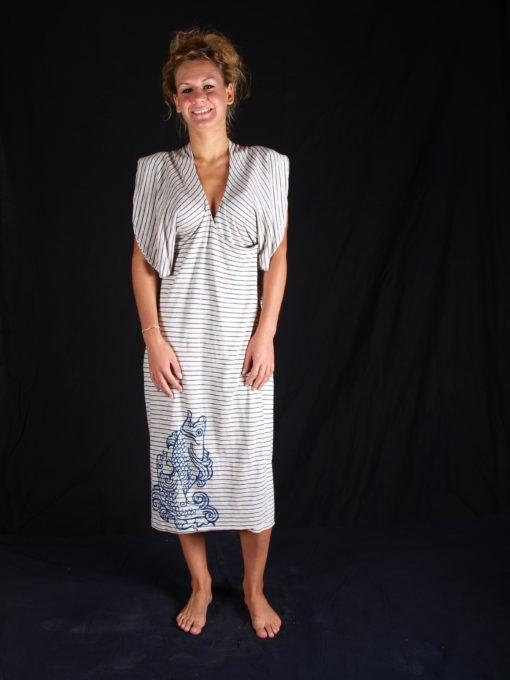 Robe rayé blanc et bleu avec manches coutes chauves souris avec impression de l'atelier du coin