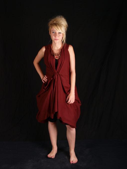Robe rouge coton volumineuse resséré taille